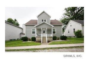 11 W Birch St, New Baden, IL 62265