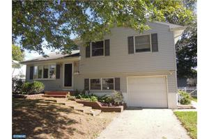 117 Miry Brook Rd, Hamilton Square, NJ 08690