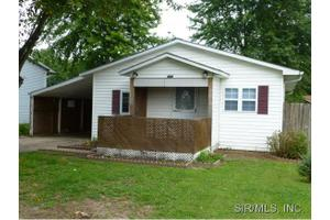 444 Southard Pl, South Roxana, IL 62087