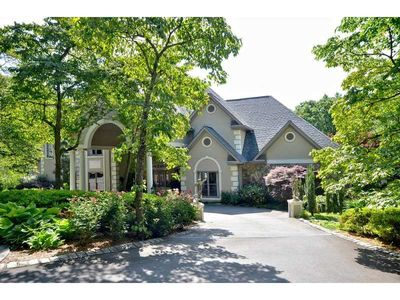 1370 Beaumont Dr Nw, Kennesaw, GA