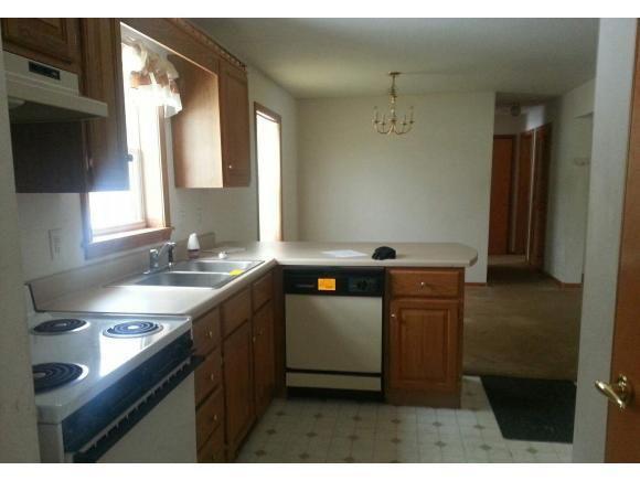 130 E Green Mountain Rd, Claremont, NH 03743