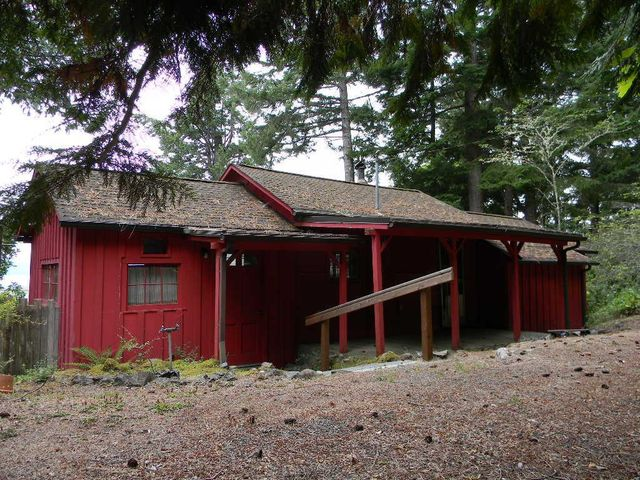 36780 n us highway 101 lilliwaup wa 98555 home for for Hood canal cabin for sale