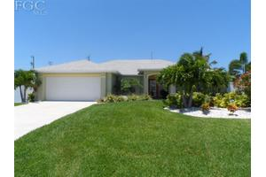 3120 SW 19th Pl, Cape Coral, FL 33914