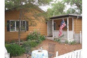 402 S Neilson Ave, Pueblo, CO 81001