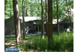 110 Kelly Dr, Chadds Ford, PA 19317