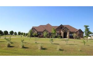 6120 High Meadows Dr, Krum, TX 76249