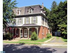 5 W 2nd St, Moorestown, NJ 08057