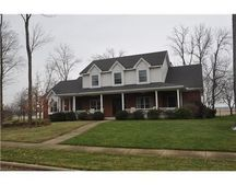 1033 Copperfield Ln, Tipp City, OH 45371
