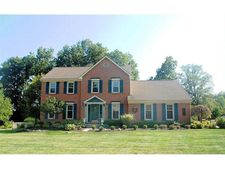 9906 Mccauly Woods Dr, West Chester, OH 45241