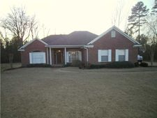 721 Forest Woods Dr, Byram, MS 39272