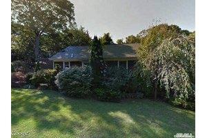 170 Hampton St, Sag Harbor, NY 11963