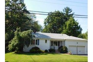 29 Archbridge Ln, Springfield, NJ 07081