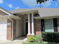 8032 Torrey Pines Cir, Beaumont, TX 77707