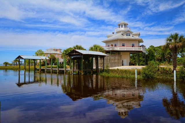 cedar key fl 32625 home for sale and real estate