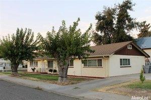 281 Lambuth Ave, Oakdale, CA 95361