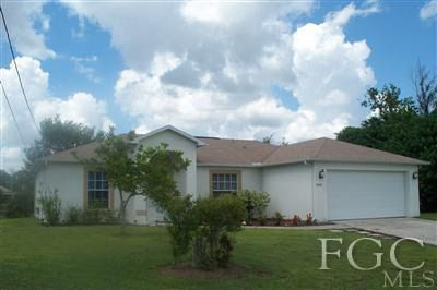2403 Del Ray Pl, Lehigh Acres, FL