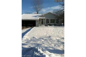 6386 Fairhaven Rd, Mayfield Heights, OH 44124