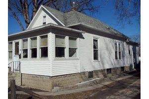 143 E Pinckney St, Pontiac, IL 61764