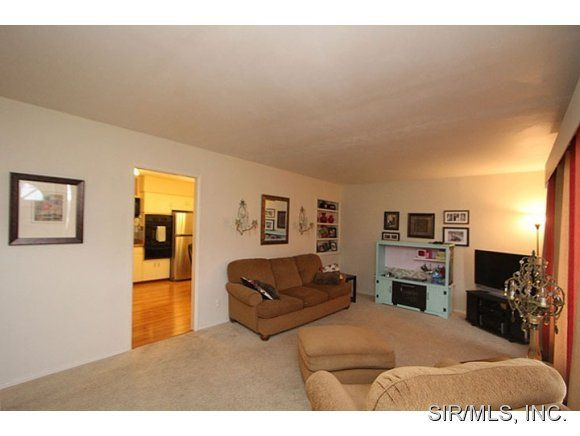1468 Ladd St, Edwardsville, IL 62025