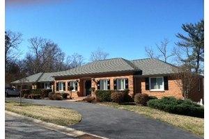 6010 Lakemont Dr, Roanoke, VA 24018