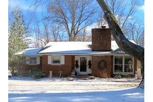 1249 Twin Oaks Ln, Goshen, OH 45140
