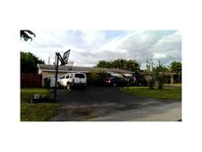 7041 Sw 13th St, Pembroke Pines, FL 33023