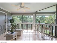 646 Wiggins Bay Dr, Naples, FL 34110
