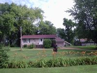 324 N Canal Dr, Dixon, IL 61021