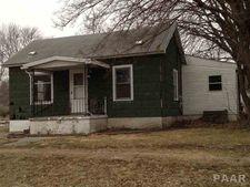 233 W Spruce St, Canton, IL 61520