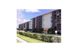 16950 W Dixie Hy Unit B120, North Miami Beach, FL 33160