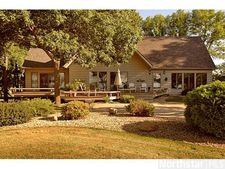 36994 Clear Lake Dr, Waseca, MN 56093