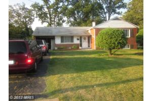 10912 Woodhaven Dr, Fairfax, VA 22030