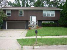 175 Ravencrest Dr, Iowa City, IA 52245