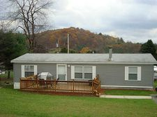 182 Hilltop Manor Rd, Armstrong Shelocta, PA 15774