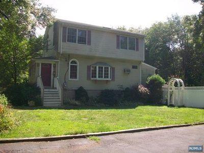 43 Oak St, Hillsdale, NJ