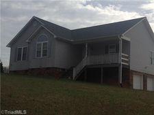 344 Dogwood Acres Ln, Madison, NC 27025