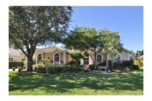 16248 Forest Oaks Dr, Fort Myers, FL 33908