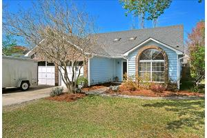 10 Solomon Ct, Charleston, SC 29414