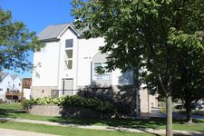 660 E Fountainview Dr, Mundelein, IL 60060
