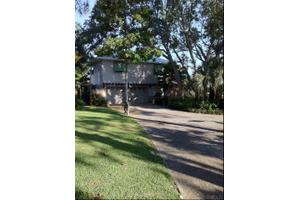3255 Bay St, Gulf Breeze, FL 32563