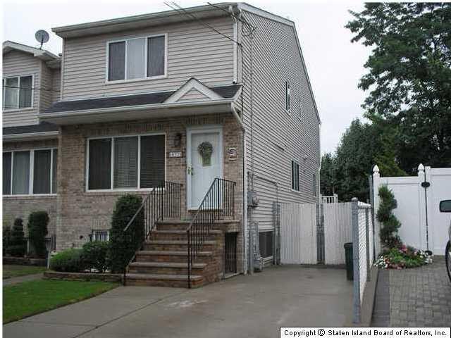 577 Bloomingdale Rd Staten Island Ny 10309 Realtor Com 174