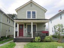 10 Evergreen Ave, Port Washington, NY 11050