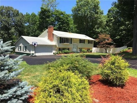 10 River Rd, North Haven, CT 06473