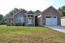 365 N New Madrid, Benton, MO 63736