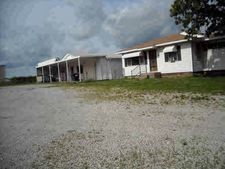 922 Nw State Line Ln, Liberal, MO 64762