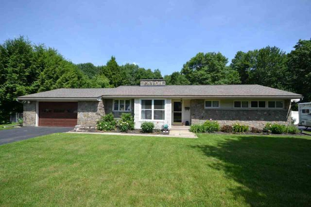 14 wincrest dr queensbury ny 12804 home for sale and