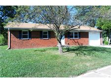 129 Forum Dr, Whiteland, IN 46184