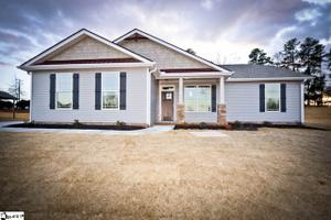 5 Fenton Ct, Travelers Rest, SC 29690