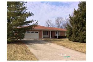 3666 Teakwood Rd, Tipp City, OH 45371