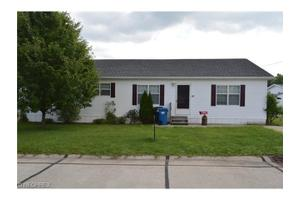 55 Stardust Trl, Amherst, OH 44001